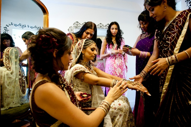 HINDU-AND-ENGLISH-WEDDING-AT-Quendon-Hall-0003