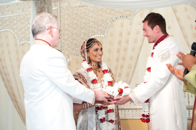 HINDU-AND-ENGLISH-WEDDING-AT-Quendon-Hall-0010
